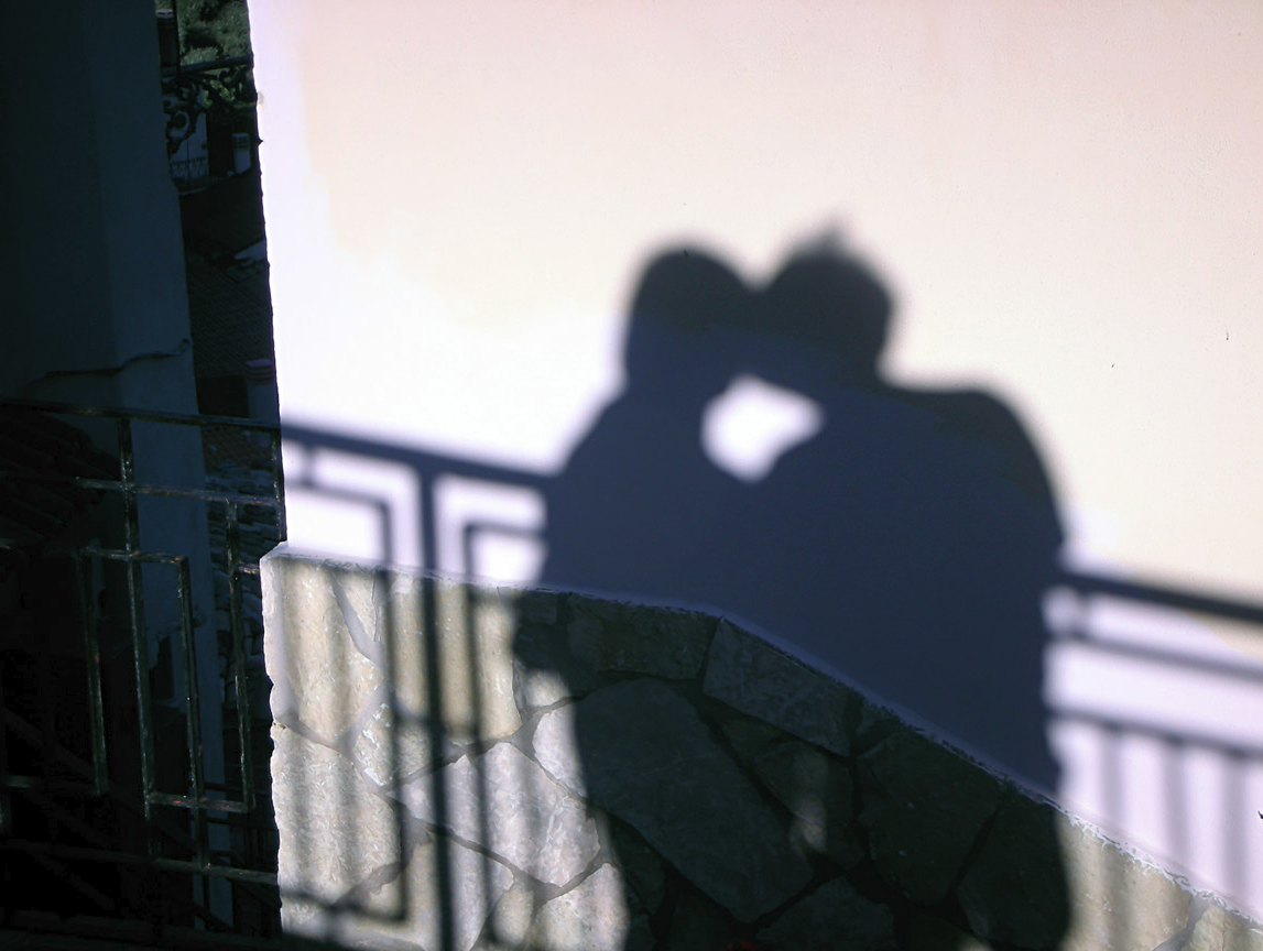 A kiss in the shade