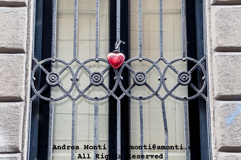Hanging Heart at via Olmetto
