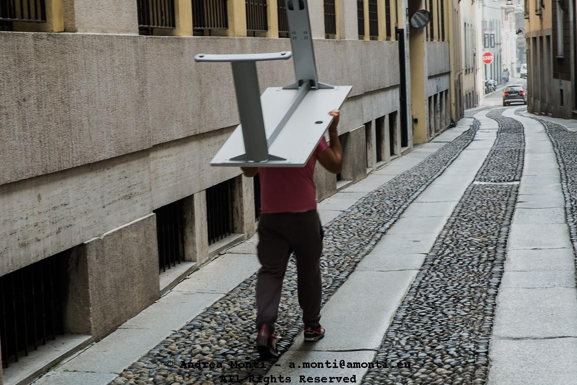 Walking Table in via Cornaggia