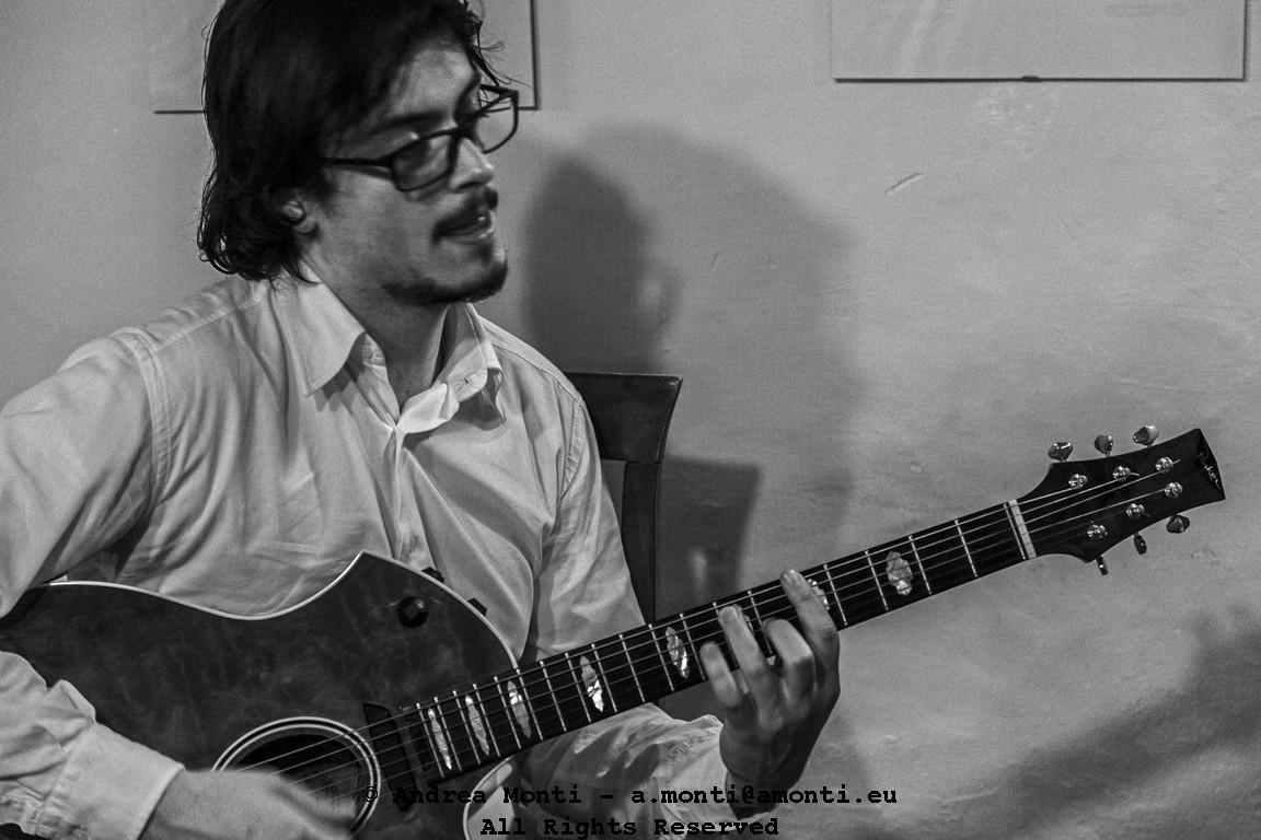 A Jazz-Manouche Guitar Player