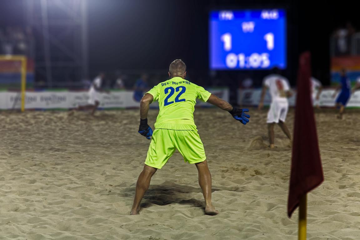@ Mediterranean Beach Games 2015 – Italy Beach Soccer Team's Goalkeeper (and a primer on sport photography, part 2)